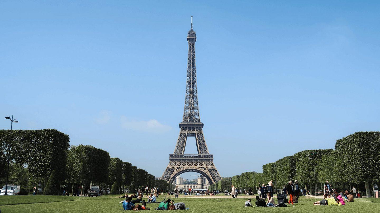 Zoombackgroundsfortravelers Paris 1440x810